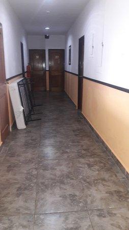 Bocas Paradise Hotel: el pasillo del piso donde nos hospedamos