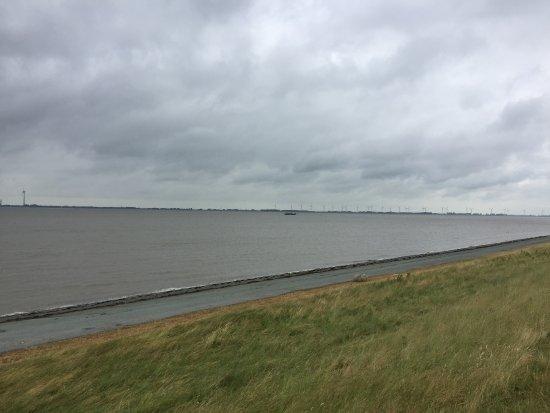 Delfzijl, The Netherlands: Deich
