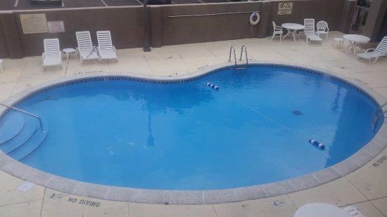 Florissant, MO: pool