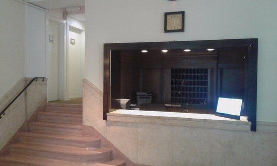 Greenview Hotel: Recepción del hotel, todo mármol, muy agradable a la vista