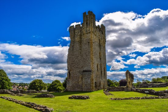 The Main tower of Helmsley Castle