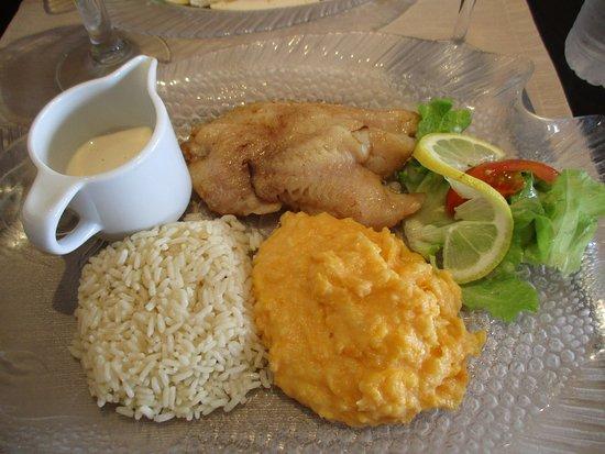 L' Albatros: Dorade sebaste avec riz et purée de patate douce