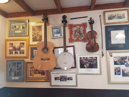 Port Charlotte, UK: Inside the bar