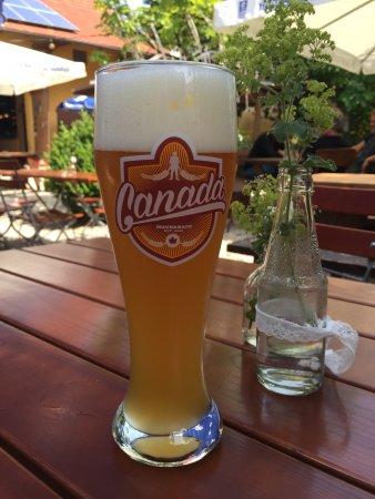 Aichach, Allemagne : Das selbstgebraute Weißbier vom Canada