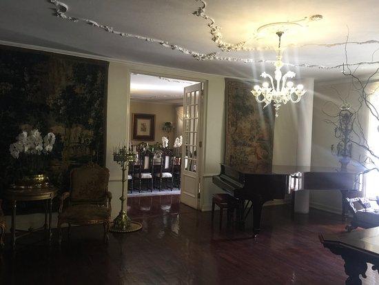 Illyria House: Entrance Hallway
