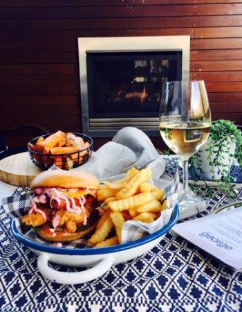 East Maitland, Australia: Crispy Chicken Burger
