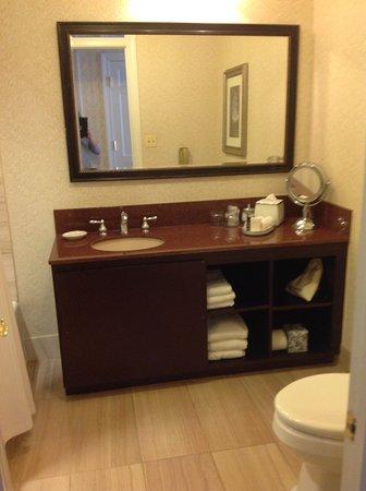 The Fairfax at Embassy Row, Washington, D.C.: A good size bathroom