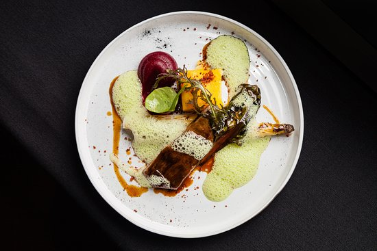 Strassen, Luxemburg: TWO6TWO Restaurant | A light and fresh cuisine evolving along the seasons