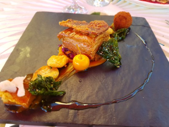 Dullstroom, Sudáfrica: Tree-way pork - Out of this world!