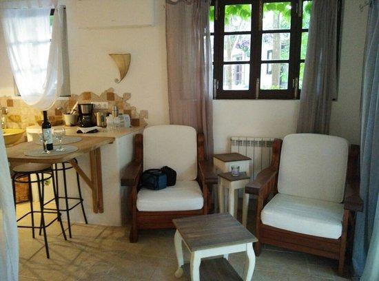 Uma Casa a Beira Sol: IMG-20170619-WA0004_large.jpg