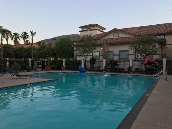 Front Lobby Picture Of Hilton Garden Inn Palm Springs Rancho Mirage Rancho Mirage Tripadvisor