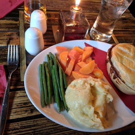 Harrietsham, UK: Steak & Ale Pie