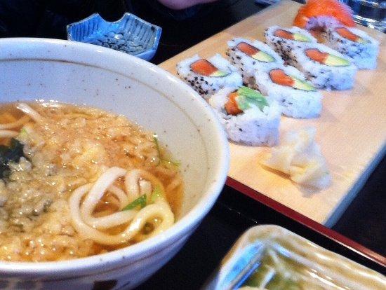 Hikari Japanese Restaurant: photo0.jpg