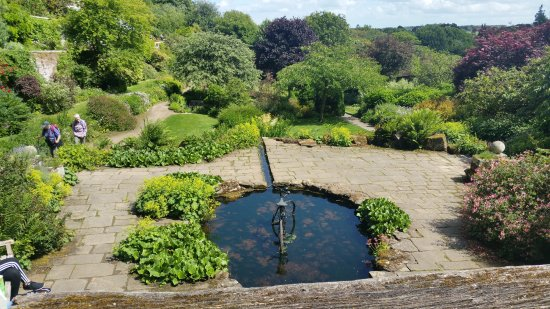 Morpeth, UK: This is the view as you enter the walled garden