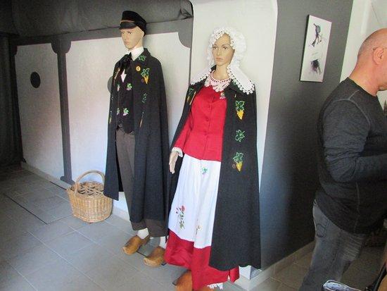 Ludes, Francia: costumes normands d'époque