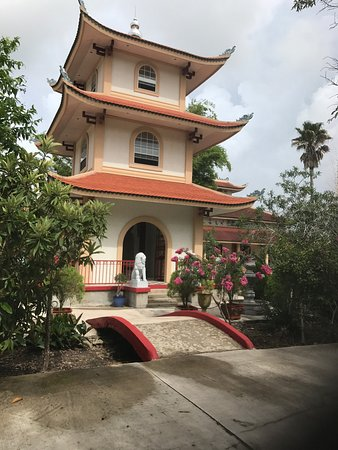 ‪Linh Son Buddhist Temple‬