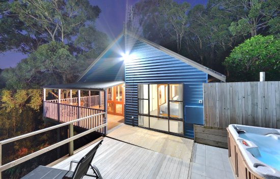 Vacy, Australien: Kirawa Spa Cabin at night