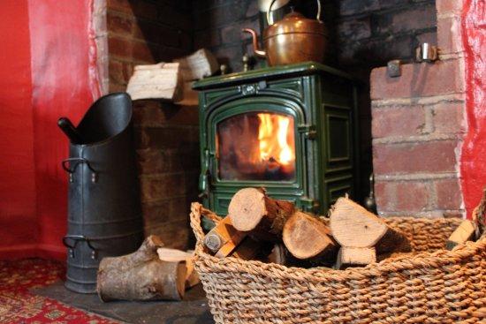 Lifton, UK: Cosy fireside areas