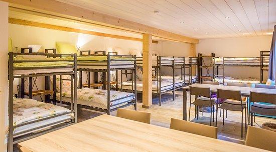 Evolene, Sveits: Un espace indépendant (12 lits, sanitaires et cuisine) pour groupes.