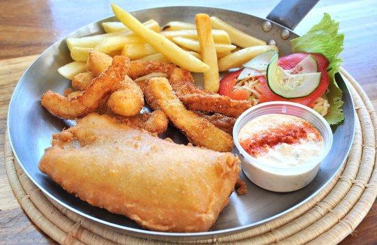 Morgan's Bay, แอฟริกาใต้: Fish and Calamari Combo