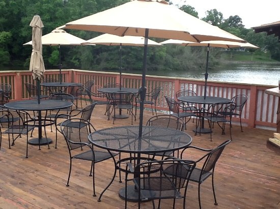 Hardy, VA: The deck at The Copper Kettle Co. sits on the water!