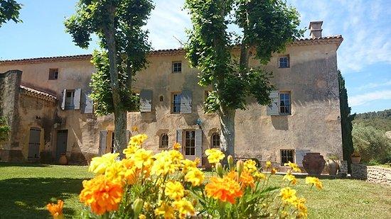 Le Beausset, France: Bastide fleurie