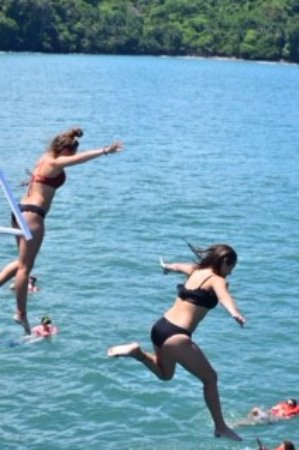 Quepos, Costa Rica: Fun jumping off the platforms! The water was beautiful.