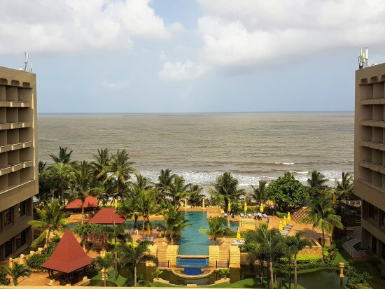 JW Marriott Mumbai Juhu: The view from the business lounge
