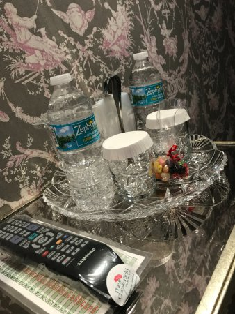 The Chesterfield Palm Beach: Lots of free water