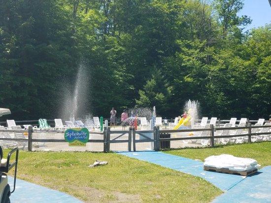 Jeffersonville, VT: Toddler splash pad at Notchville