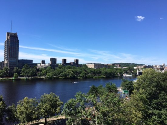 Hyatt Regency Cambridge, Overlooking Boston: Photo from balcony