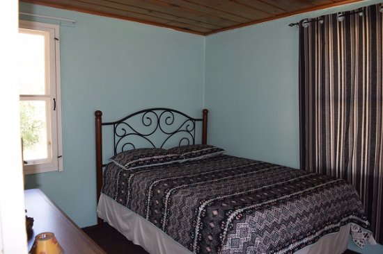 Drake, CO: Bird Queen Bedroom