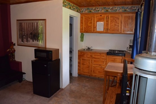 Drake, CO: Lil Moose kitchenette