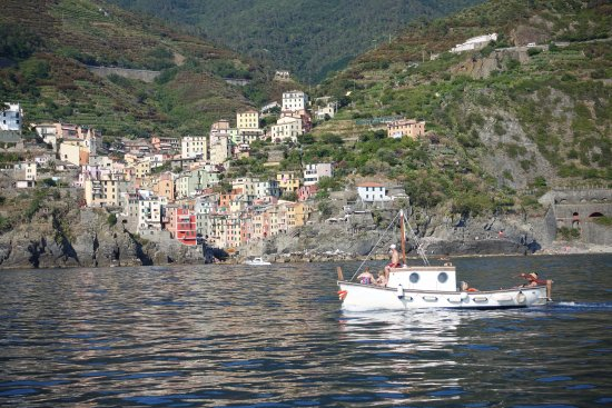 Cinqueterre Residence: Riomaggiore from the sea side
