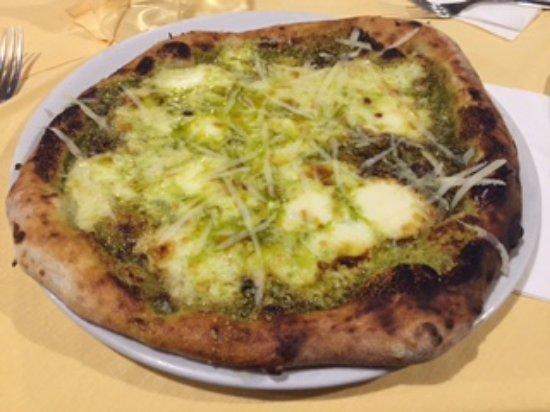 Sant'Agnello, Italy: Pizza al pistacchio 2
