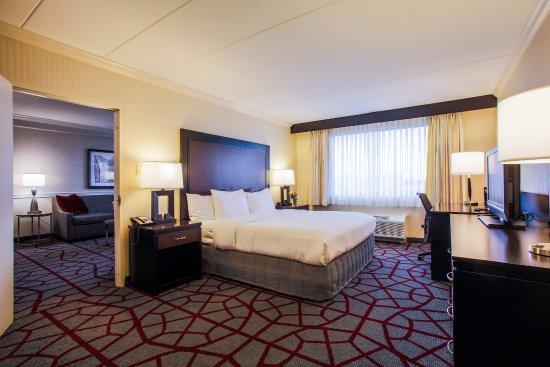 Doubletree Hotel Chicago / Alsip: Suite Bedroom