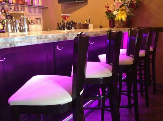 Iselin, NJ: Have a seat and drink with us during happy hour