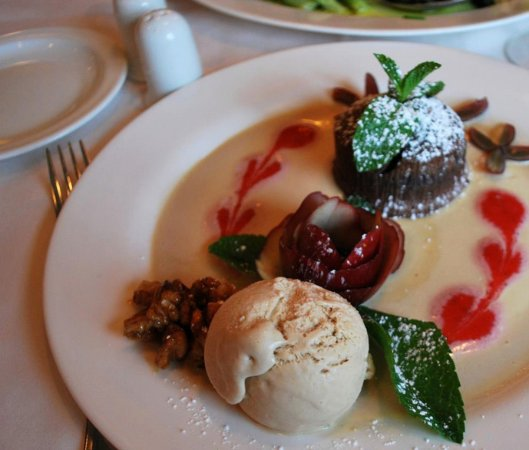 Iselin, NJ: End the night with an amazing and delicious well-made dessert