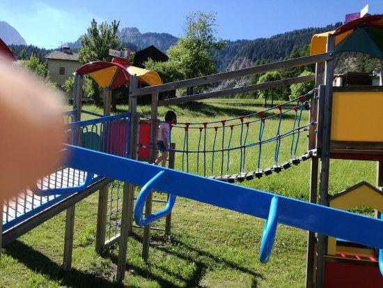 Family Hotel La Grotta: parco giochi per bambini esterno LA GROTTA
