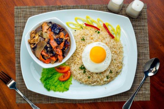 Ratnapura, Sri Lanka: Chopsuey Rice!