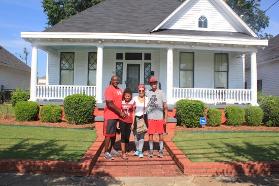 Dexter Parsonage Museum - Dr. Martin Luther King home: Rev. King's home.