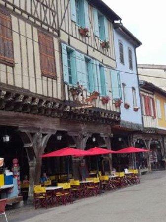 Mirepoix, France: площадь 1