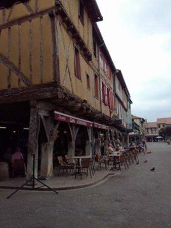 Mirepoix, France: площадь 2