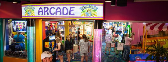 Fort Walton Beach, Flórida: Visit Fat Daddy's Arcade inside Fudpucker's on Okaloosa Island!