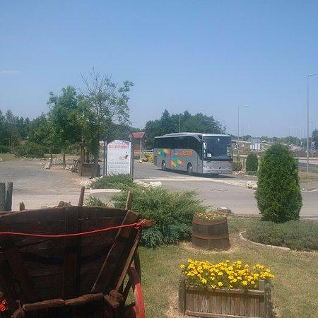 Nagykanizsa, Hungría: Parcheggio pullman