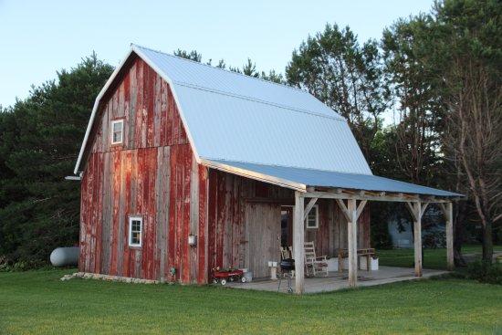 Little House on the Farm & Guest Barn