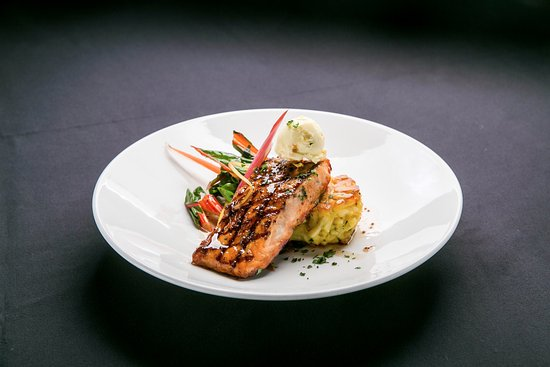 Alsip, IL: Maple Glazed Salmon