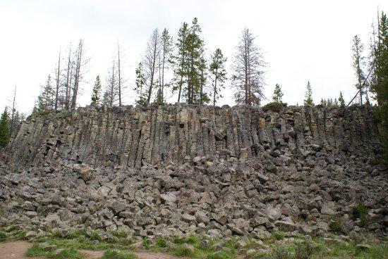 Obsidian Cliff