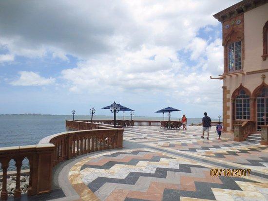 Ca d'Zan Mansion: Extensive patio