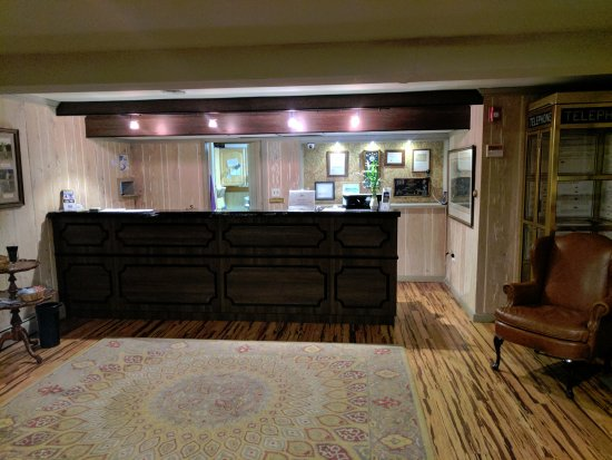 Wolf Hollow at The Water Gap Country Club : Front desk area